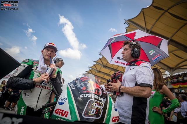 Stefan Bradl wurde am 29. November 1989 in Augsburg geboren und fährt seit 2012 in der MotoGP. Seinen bislang größten Erfolg feierte der Sohn von Ex-Vizeweltmeister Helmut Bradl in der Saison 2011, als er sich zum Moto2-Weltmeister krönte.