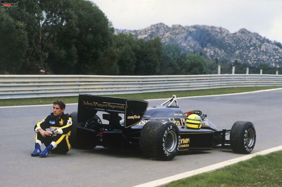 Der Auftakt ins denkwürdige Estoril-Wochenende 1985, an dem er seine erste Pole-Position und seinen ersten Sieg einfährt, misslingt Ayrton Senna. Im Freien Training am Freitag muss der Brasilianer seinen Lotus-Renault 97T mit technischem Defekt abstellen.