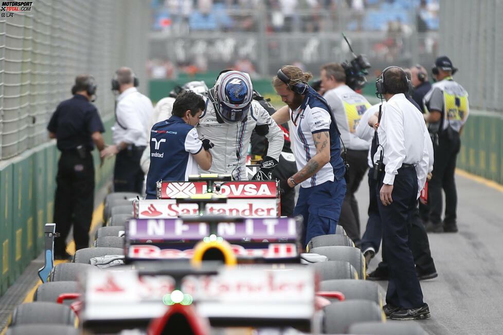 Neben McLaren-Superstar Fernando Alonso und dem finanziell maroden Manor-Marussia-Team muss noch einer klein beigeben, bevor das Rennen überhaupt begonnen hat: Valtteri Bottas zieht sich im Qualifying eine Rückenverletzung zu, muss die Nacht im Krankenhaus verbringen. Eine Stunde vor dem Start gibt Williams bekannt: Die FIA erteilt keine Starterlaubnis, obwohl Bottas fahren möchte.