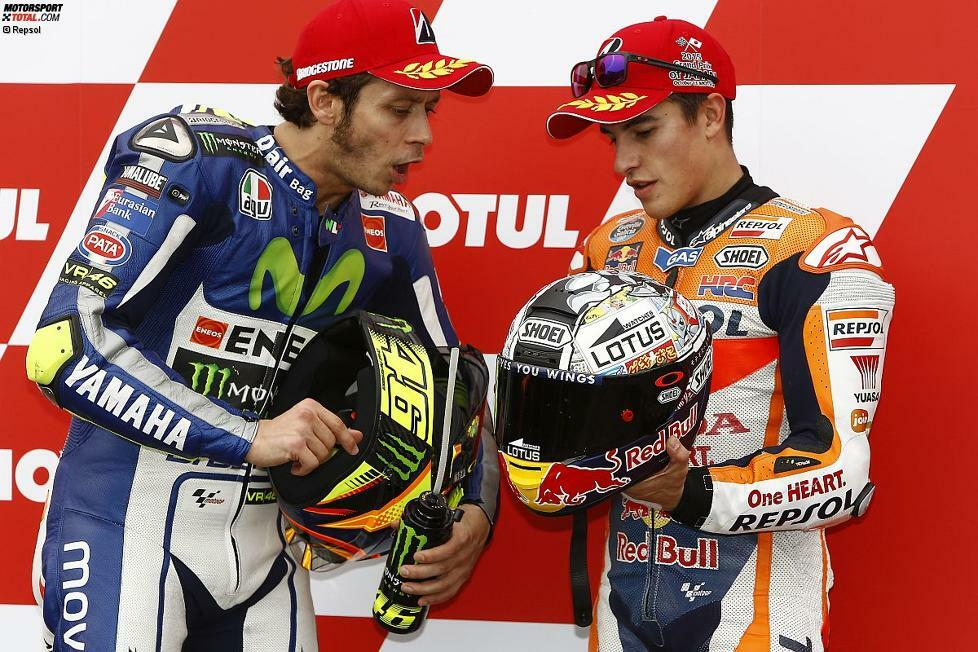 Das WM-Duell der MotoGP-Saison 2015 heißt Valentino Rossi gegen Jorge Lorenzo. Die Yamaha-Werkspiloten sind in diesem Jahr das Maß aller Dinge. Das eigentliche Duell des Jahres liefert sich Rossi aber mit einem ganz anderen Gegner: Marc Marquez. In dieser Geschichte geht es nicht um Titel oder Siege. Es geht um zwei Piloten, die von Freunden zu erbitterten Feinden werden.