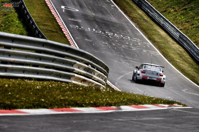 Nürburgring-Nordschleife: Nach 22 Jahren mit einer Automobil-Weltmeisterschaft auf die Nordschleife zurückzukehren, war eine mutige Entscheidung, für die die WTCC-Macher belohnt wurden. Spektakuläre Bilder, begeisterte Fahrer und der Mythos