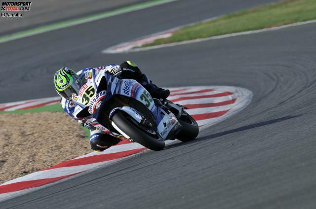 Crutchlow beginnt seine Karriere in der Britischen Superbike-Szene und feiert anschließend im Jahr 2009 mit dem Gewinn der Supersport-WM seinen ersten großen Erfolg. 2010 fährt er für Yamaha eine Saison in der Superbike-WM. Höhepunkt ist der Doppelsieg bei seinem Heimrennen in Silverstone.