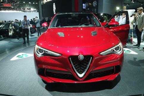 Ohne SUV scheint derzeit in der Autowelt kaum noch etwas zu gehen; Mit dem Stelvio (so heißt ebenfalls aktuell eine Moto Guzzi) präsentiert nun auch Alfa Romeo auf der Autoshow in Los Angeles (-27.11.2016) sein erstes Sport Utility Vehicle.