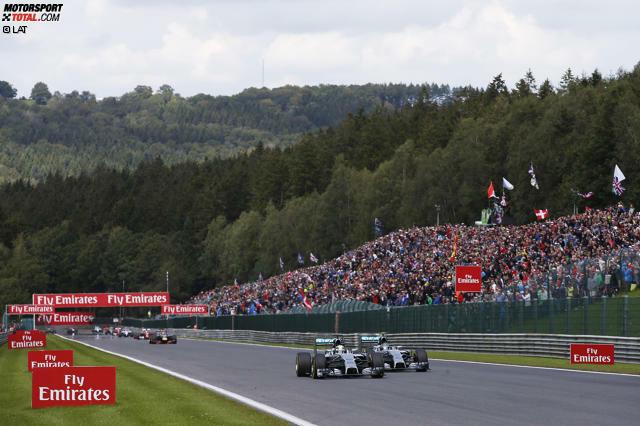 Angefangen hat alles 2014 in Spa-Francorchamps: Nico Rosberg saugt sich auf der Kemel-Geraden im Windschatten an Leader Lewis Hamilton an und versucht es außen. Das Manöver...