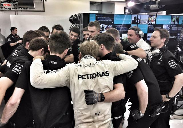 Es ist (schon wieder) das Wochenende des Nico Rosberg: Bereits am Freitag schwört er das Mercedes-Team auf sich ein - und dominiert Lewis Hamilton in allen Trainings. Mit Ausnahme des Qualifyings, in dem 77 Tausendstelsekunden fehlen.