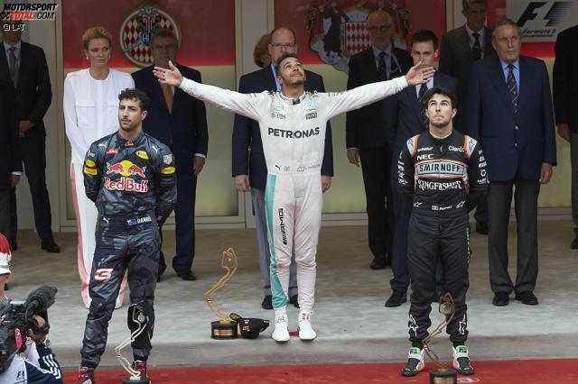 Der Bann ist gebrochen: Lewis Hamilton gewinnt nach acht sieglosen Rennen wieder einen Grand Prix, seinen ersten in Monaco seit 2008. Daniel Ricciardo fühlt sich