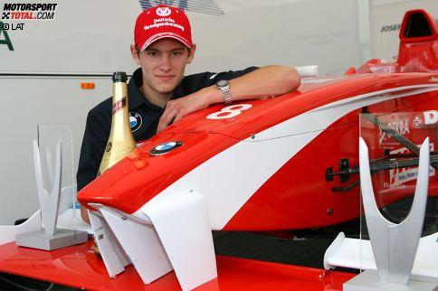 Marco Wittmanns Karriere beginnt 1996 im Alter vom sechs Jahren im Kartsport. 2007 führt ihn sein Weg - mit mittlerweile 17 Jahren - in den Formelsport. Seine erste Station: Die Deutsche Formel BMW. Dort trifft er unter anderem auf seine späteren DTM-Konkurrenten Adrien Tambay und Daniel Juncadella.