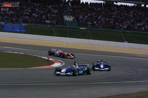 """Grand Prix von Europa 2002 - P6: Nach den guten Erfahrungen mit Räikkönen holte Sauber zur Saison 2002 Felipe Massa als neues """"Wunderkind"""". Der Brasilianer war schnell, machte aber viele Fehler und verlor sein Cockpit am Jahresende. Dennoch: Auf dem Nürburgring 2002 ließ er seinem hoch eingeschätzten Teamkollegen Heidfeld keine Chance."""