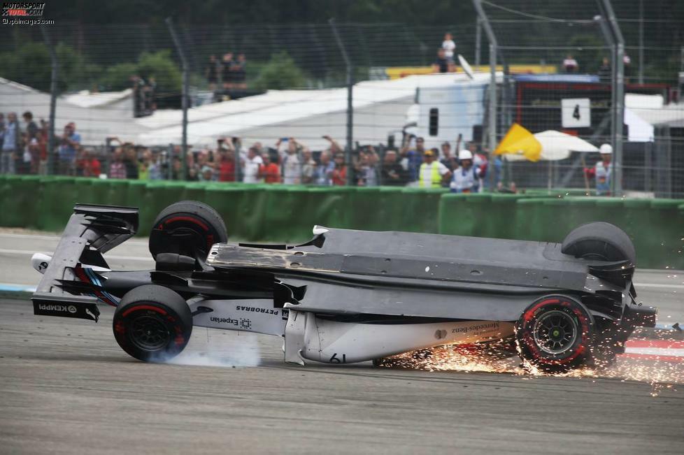Der Hockenheimring ist bekannt für seine actionreichen Rennen. Vor allem beim Start kracht es regelmäßig. Letzter Beweis in der Formel 1? Felipe Massas Überschlag vor zwei Jahren.