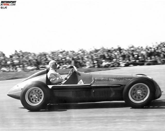 Silverstone (Großbritannien) 1950: Giuseppe Farina gewinnt mit einem 1,5-Liter-Kompressor von Alfa Romeo den ersten Grand Prix der Formel-1-WM-Geschichte.
