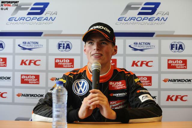 Vom Dreikäsehoch zum gefeierten Nachwuchsstar: Max Verstappen legte in nur eineinhalb Jahren  in der Formel 1 eine steile Karriere, die im Mai 2016 mit seiner Beförderung zum Red-Bull-Piloten gipfelte - nach nur 23 Grands Prix. Wir blicken zurück auf eine Laufbahn im Raketentempo.