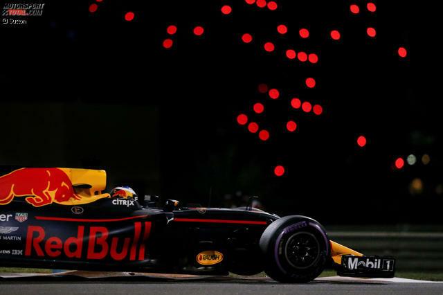 Daniel Ricciardo wird am Freitag von Romain Grosjean aufgehalten. Team: