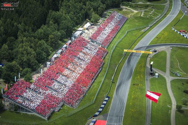145.000 Zuschauer lockt der Grand Prix von Österreich an den Red-Bull-Ring in Spielberg, aber auch wenn dieses Hubschrauberfoto suggeriert, dass die meisten davon Einheimische waren: ...