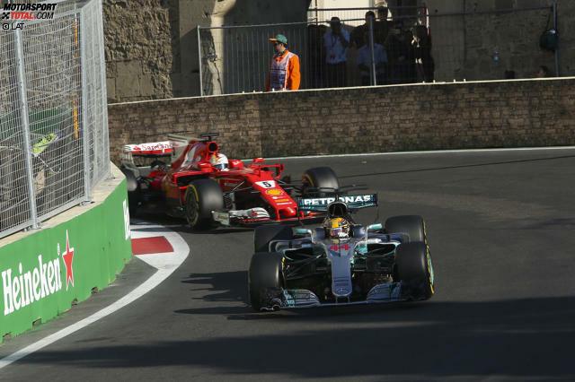 Starten wir mit dem Aufreger in die besten Funksprüche des Jahres: Als Sebastian Vettel nach dem absichtlichen Rammstoss gegen Lewis Hamilton vom Renningenieur über die Zehn-Sekunden-Strafe wegen eines