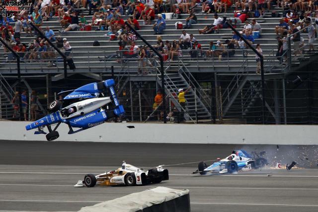 Es ist der Horrorcrash beim 101. Indy 500: Wie durch ein Wunder überlebt der Polesetter diese Schrecksekunde. Was genau passiert ist? Jetzt durch die Fotos klicken!