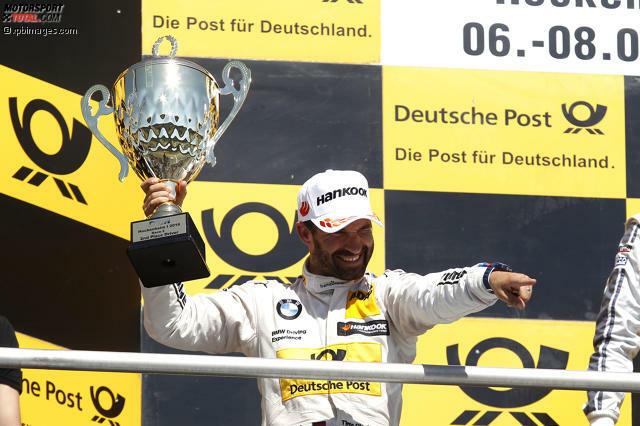 #10: Timo Glocks Disqualifikation in Hockenheim - Die DTM-Saison 2016 beginnt direkt mit einem kleinen Aufreger. Timo Glock fährt im ersten Sonntagsrennen des Jahres einen starken zweiten Platz ein, verliert diesen allerdings wieder, weil die Position des Heckdeckels nicht den Vorgaben entspricht - die Abweichung beträgt 1,9 Millimeter.