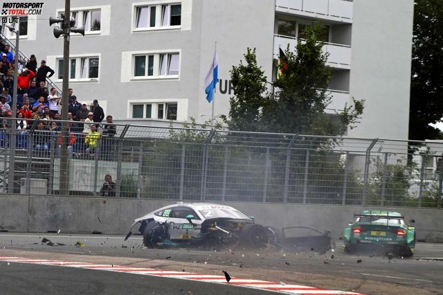 Norisring 2017: Gary Paffett (Mercedes) schlägt heftig in die Leitplanken ein und kollidiert schwer mit Mike Rockenfeller (Audi).