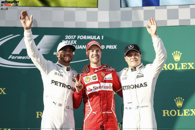 Das erste Siegerfoto der Saison 2017: Sebastian Vettel gewinnt erstmals seit Singapur 2015 wieder einen Grand Prix - und das mit einem Ferrari, der dem höher eingeschätzten Mercedes-Silberpfeil mindestens ebenbürtig ist. Die neue Formel 1 hat das, was der alten jahrelang gefehlt hat: Spannung an der Spitze.