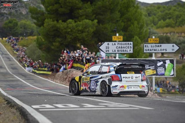 Rallye Spanien 2015: Andreas Mikkelsen (Volkswagen) gewinnt 3,1 Sekunden vor Jari-Matti Latvala (Volkswagen).