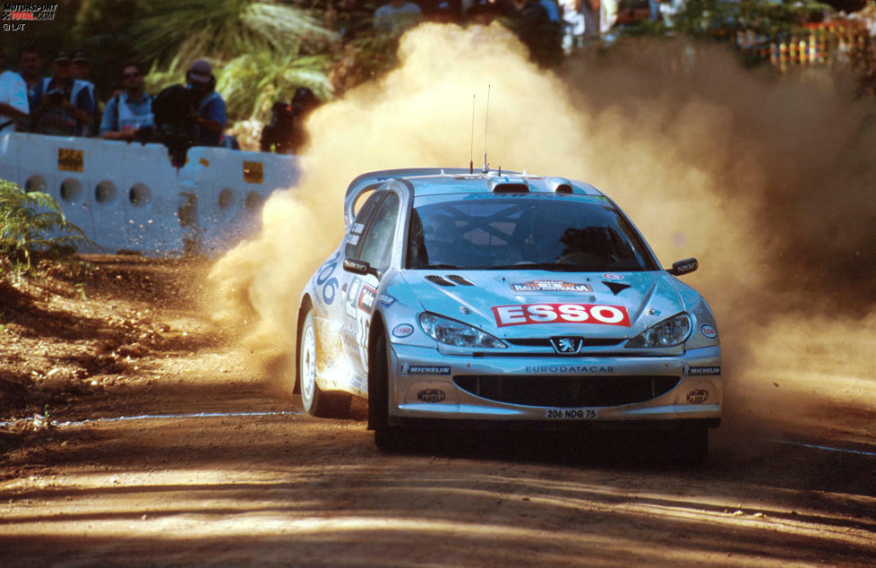 Rallye Australien 2000: Marcus Grönholm (Peugeot) gewinnt 2,7 Sekunden vor Richard Burns (Subaru).