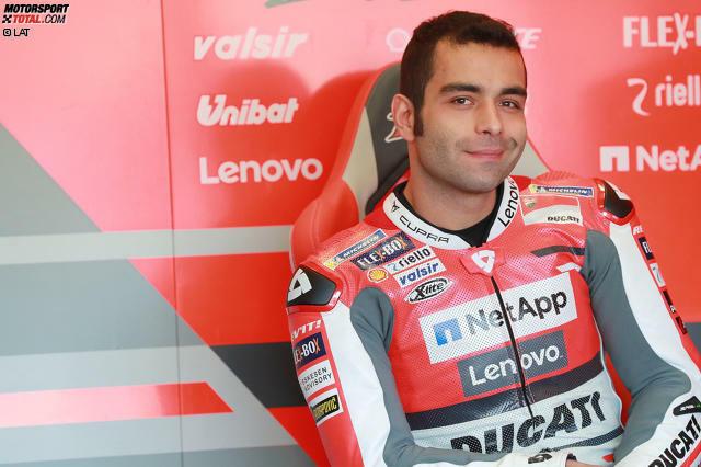 Danilo Petrucci wird am 24. Oktober 1990 in Terni (Italien) geboren. Er geht nicht den klassischen Weg durch Moto3 und Moto2, sondern fährt in Superstock-Klassen mit seriennahen Motorrädern.