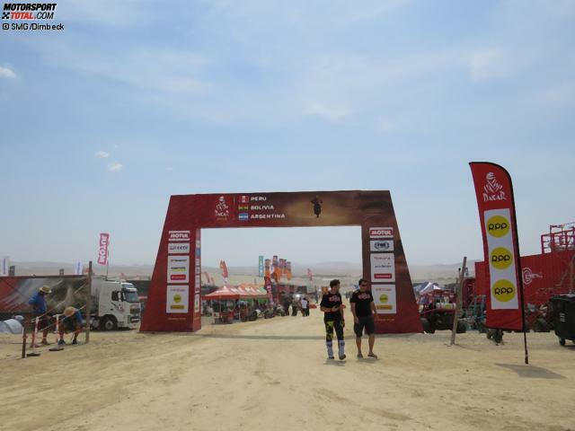 Das Biwak ist das Herzstück der Rallye Dakar, vergleichbar mit dem Service-Park einer normalen Rallye - nur um vieles größer.