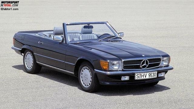 Platz 10: Mercedes 560 SL. Kaum ein Mercedes wurde so lange gebaut wie die Baureihe 107 (1971-1989). Besonders gesucht ist der zwischen 1985 und 1989 angebotene 560 SL mit 231 PS starkem V8. Konzipiert war er eigentlich als Exportmodell für die USA, Australien und Japan. Durchschnittspreis heute: 33.270 Euro