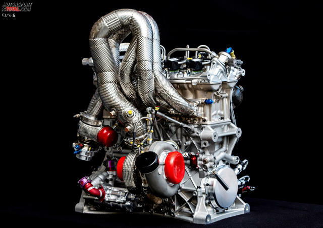 Audi lüftet das Geheimnis um den neuen Turbomotor für die DTM-Ära ab 2019: Der neue Zwei-Liter-Vierzylinder-Motor liefert über 610 PS Leistung und wiegt nur 85 Kilogramm. Zum Vergleich zeigen wir den alten ...