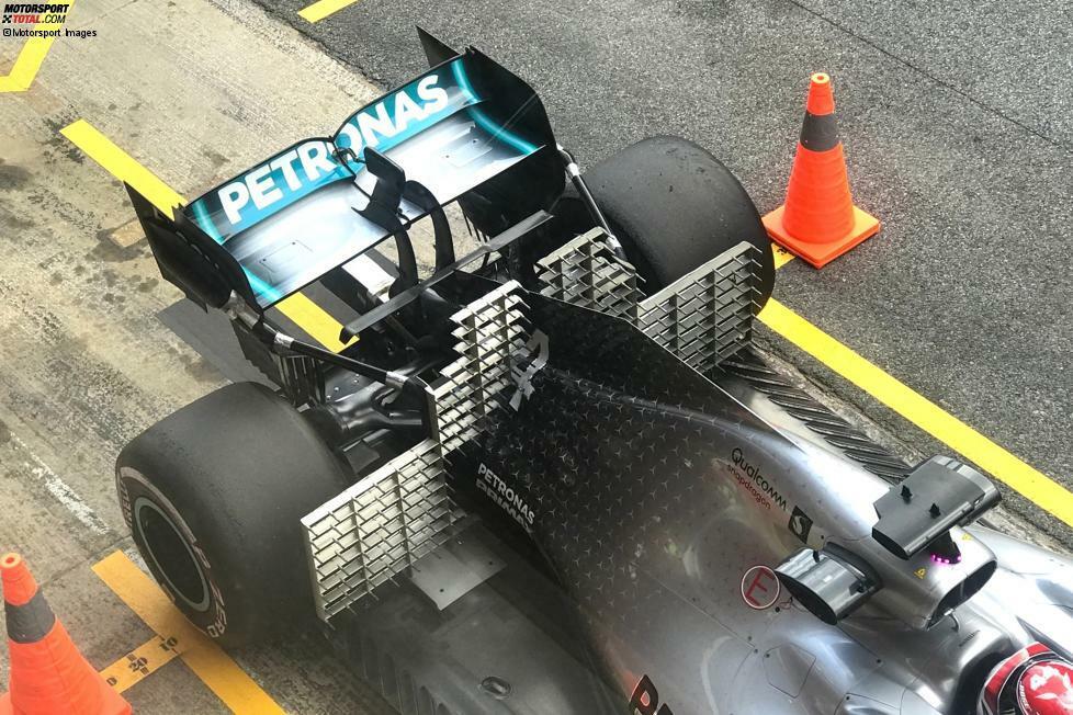Der Teufel steckt im Detail. Und deshalb haben unsere Fotografen zum Auftakt der Formel-1-Testfahrten 2019 in Barcelona ganz genau hingeschaut. Hier sind die besten Nahaufnahmen von Mercedes, Ferrari, Red Bull & Co.!