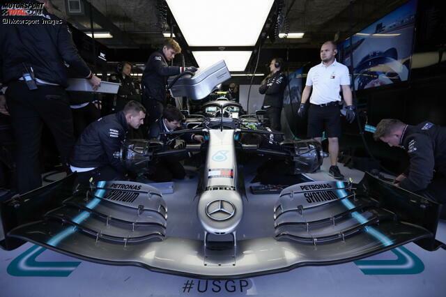 Mercedes W10: Frontflügel