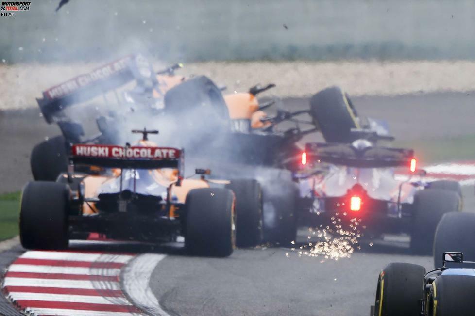 Daniil Kwjat (4): Rein vom Speed her zeigt der Russe im Toro Rosso gute Ansätze. Abzüge gibt's für die Karambolage mit den McLarens in der ersten Runde. Kwjat musste in der Rechtskurve kurz gegenlenken, ehe er in Norris und Sainz reinrutschte. Sein Fehler, aber keine Absicht. Die Strafe: zu hart.