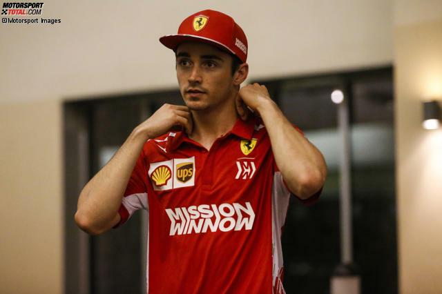 Charles Leclerc darf 2019 den Traum eines jeden Rennfahrers leben: Der Monegasse darf in der Formel 1 für Ferrari fahren - und das nach gerade einmal einer Saison! In unserer Fotostrecke zeigen wir dir, wie Leclerc eine so steile Karriere hinlegen konnte - und welche persönlichen Rückschläge es gab.