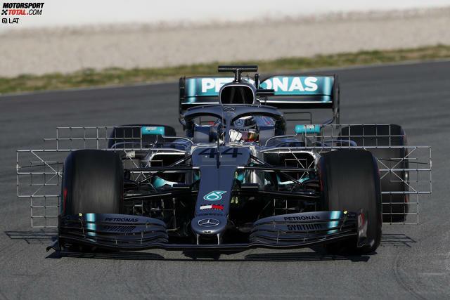 Vieles ist neu am Mercedes W10, der in der zweiten Woche der Formel-1-Wintertests in Barcelona endlich in seiner Melbourne-Version fährt