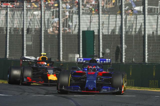 Pierre Gasly (4): In Melbourne war er kein Ricciardo-Ersatz. Das Q1-Aus geht eher auf die Kappe des Teams. Im Rennen hing er lange hinter Kwjats Toro Rosso fest. Was mit einem Red Bull eigentlich nicht sein darf. Gasly passieren zu viele Fehler. Vor der 5 rettet ihn, dass sein Frontflügel nicht mehr vollen Abtrieb geliefert hat.