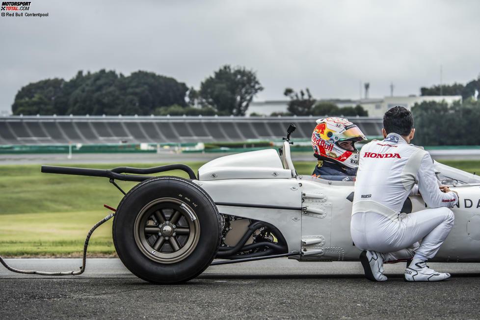 Vor dem Heimspiel von Honda in Japan durfte Red-Bull-Pilot Max Verstappen einen ganz besondere Boliden testen ...