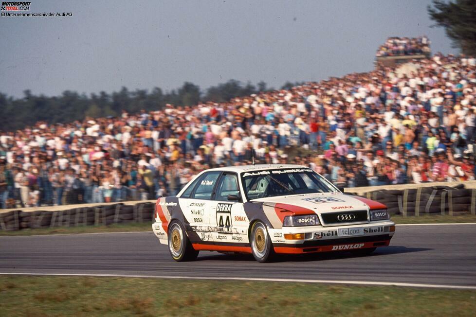 Im Jahr 1990 gewann Hans-Joachim Stuck die DTM im Audi. Frank Biela sicherte sich im Folgejahr den Titel für die vier Ringe. Die Ingolstädter waren damit die erste Marke, der eine Titelverteidigung in der Deutschen Tourenwagen-Meisterschaft gelang. Im Jahr 1992 musste Audi jedoch einige Kilos ins Auto laden.