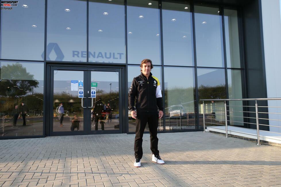 Fernando Alonso ist wieder da! Nach zehn Jahren besuchte der Spanier erstmals wieder die Renault-Fabrik in Enstone. Es ist der Startschuss für sein Formel-1-Comeback 2021.