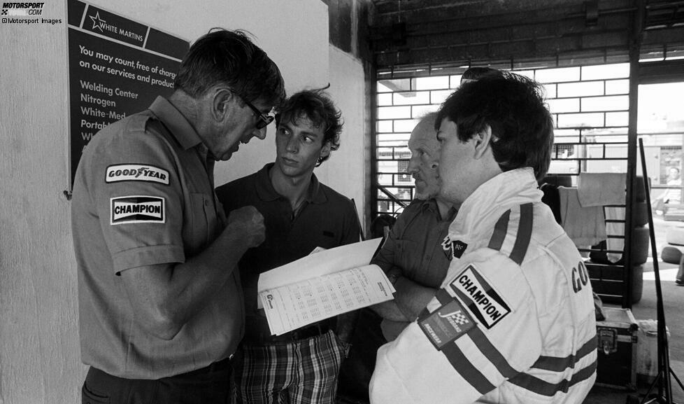 Der legendäre Teamchef Ken Tyrrell im Gespräch mit seinen Rookies Bellof (Mitte) und Brundle (rechts). Tyrrell wird später wegen Betrugs aus der WM 1984 ausgeschlossen.