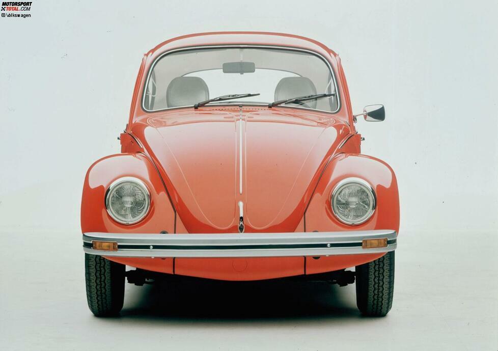 Mike Rockenfeller (VW Käfer): Wir hatten bei uns viel Landwirtschaft und meine Großeltern und mein Vater eine Werkstatt. Mein Vater hat mir erzählt, dass sie früher als Jugendliche VW Käfer gefahren sind. Sie haben die Karossen abgebaut, einen Überrollbügel reingebaut und sind dann über die Felder gefahren. Irgendwann ...