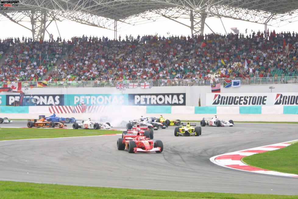 2001: 0 Rennen rein, 0 Rennen raus - Abwechslung Fehlanzeige: 2001 gibt es in der Formel 1 exakt den gleichen Kalender wie im Vorjahr. Lediglich die Reihenfolge der Rennen hat sich etwas verändert. Am auffälligsten ist das bei Malaysia: War man 2000 noch das Saisonfinale, ist man nun schon Lauf Nummer zwei.