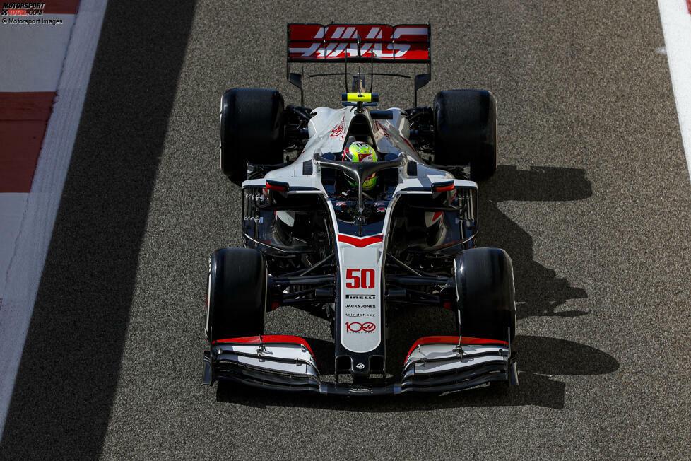 Mick Schumacher ist in der Formel 1 angekommen. Im ersten Freien Training zum Abu-Dhabi-Grand-Prix fuhr der Weltmeister-Sohn erstmals an einem Rennwochenende und belegte P18 unter 20 Fahrern. Hier sind die Bilder-Höhepunkte dazu!