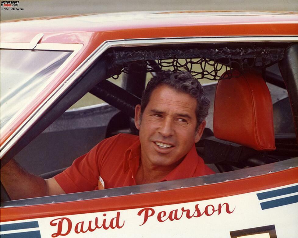 2. David Pearson: 105 Siege (erster Sieg: Charlotte 1961 - letzter Sieg: Darlington 1980)