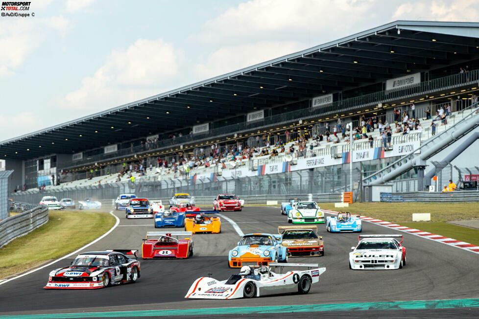 Endlich wieder Zuschauer! Zum Oldtimer-Grand-Prix am Nürburgring kamen täglich 5.000 Menschen