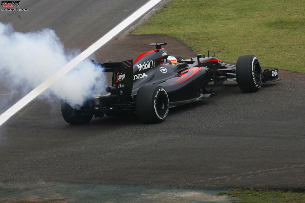 In Australien qualifizieren sich die beiden McLaren ganz hinten, Alonso-Ersatz Magnussen kann gar nicht erst starten. In den ersten fünf Rennen bleibt man komplett ohne Punkte - schuld soll der Motor sein. Weil man sich im Laufe des Jahres fängt, bleibt ein Platz in unseren Top 10 erspart. Für so einen Aufwand trotzdem peinlich!