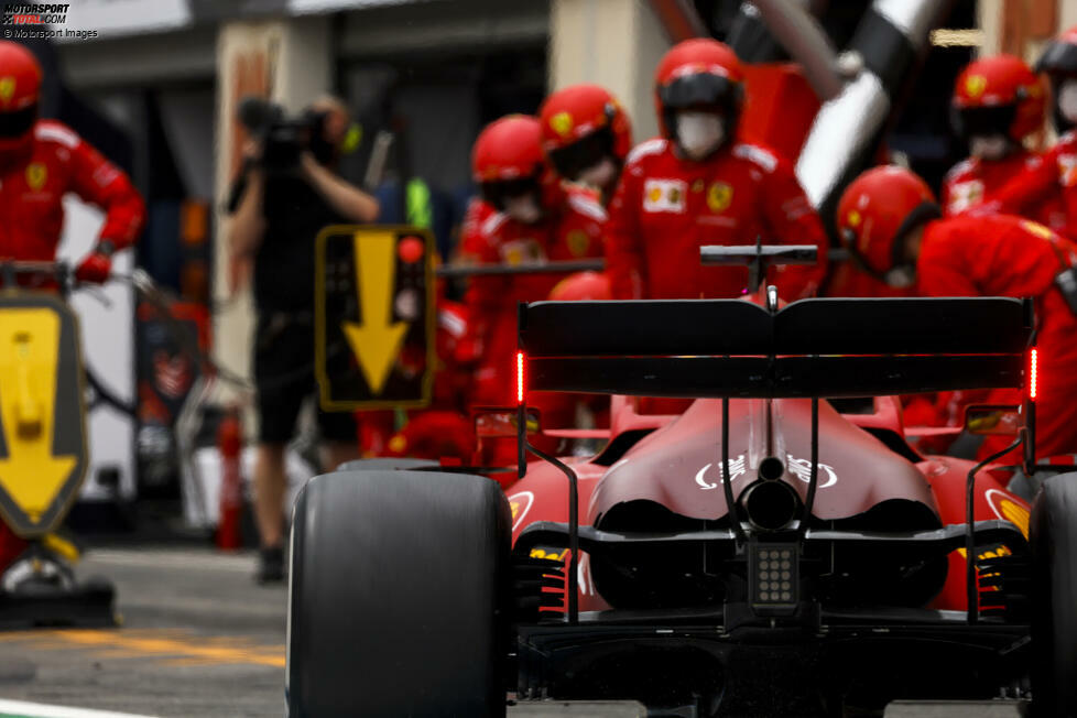 Charles Leclerc (4): Das war gar nichts. Nur P7 im Qualifying, noch dazu hinter Teamkollege Carlos Sainz, der den deutlich besseren Eindruck hinterlassen hat. Im Rennen hat Leclerc die Reifen regelrecht