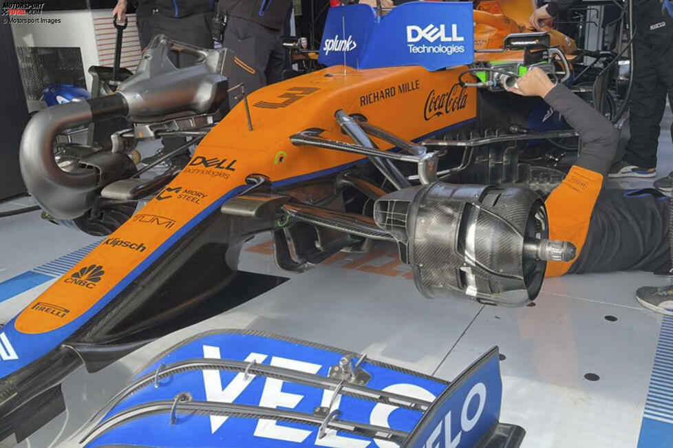 McLaren MCL35M: Vorderrad-Aufhängung