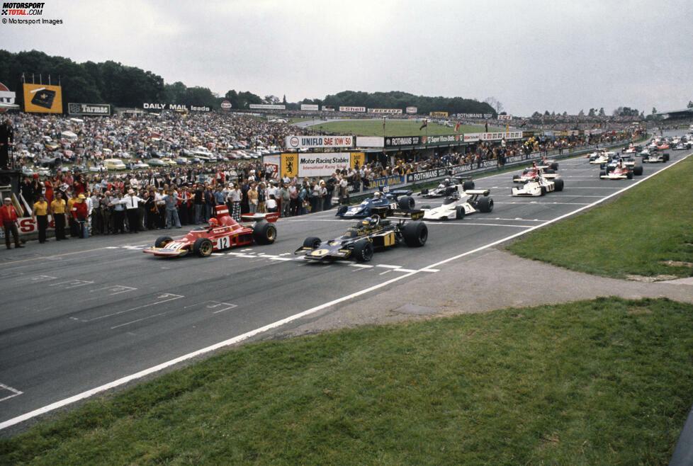 Brands Hatch 1974: Niki Lauda führte im Ferrari, bis er aufgrund eines Reifenschadens gegen Rennende noch einmal an die Box kam. Die Ausfahrt aus der Boxengasse wurde ihm jedoch verwehrt, weil die Offiziellen dachten, das Rennen sei bereits zu Ende. Sie irrten um eine Runde, Lauda wurde nach einem Ferrari-Protest als Fünfter gewertet.