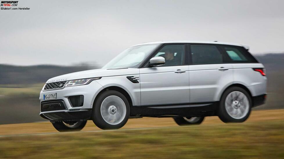 Bei Jaguar Land Rover (JLR) springt zuerst der P400 ins Auge. Hinter dieser Bezeichnung verbirgt sich ein 400 PS starke Sechszylinder-Benziner-Motorisierung, die unter anderem im Range Rover Sport und im neuen Defender eingesetzt wird. Aber leider hilft hier ein E-Motor mit, sodass diese Version für uns ausscheidet. Dann kommt PS-mäßig lange nichts, aber es gibt einen 306-PS-Diesel, der im Range Rover Sport D300 und im Discovery Sd6 eingesetzt wird. Der längs eingebaute 3,0-Liter-V6 ermöglicht dem Range Rover Sport einen Tempo-100-Sprint in 7,1 Sekunden; maximal sind (mit Dynamic Pack) 225 km/h möglich. Nun ja, ein 2,2 Tonnen schweres Diesel-SUV ist nun mal kein Sportwagen. Dafür produziert der Motor ein stämmiges Drehmoment von 700 Newtonmeter. Die werden über eine Achtgang-Automatik an alle vier Räder übertragen.  Leistung: 306 PS bei3.750 U/min Drehmoment:700 Nm bei 1.500 - 1.750 U/min Motor: 3,0-Liter-V6-Diesel 0-100 km/h: 7,1 Sek. Fahrzeuggewicht: 2.245 kg