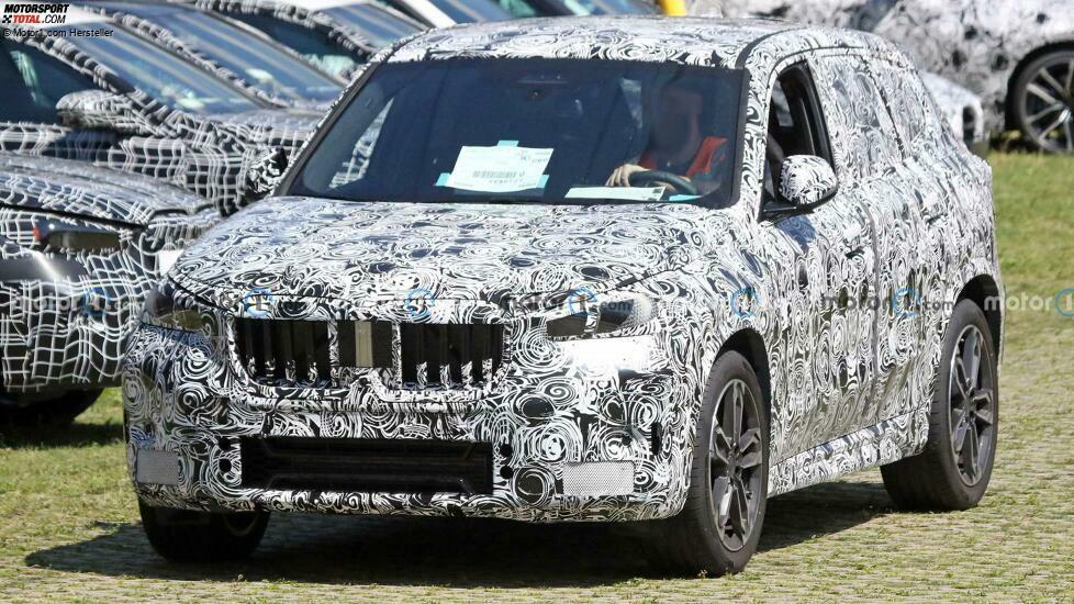 2022 BMW X1 neues Spionagefoto (vorne)