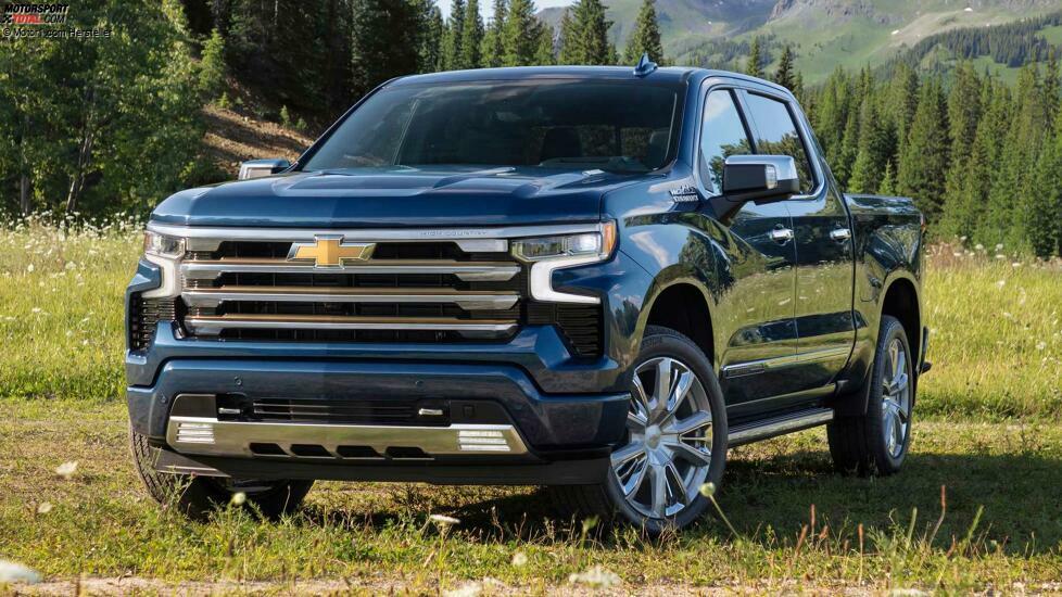 2022 Chevrolet Silverado High Country Front Angle